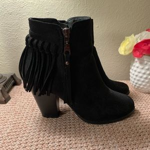 Catherine Malandrino Black Booties 👢💋💄